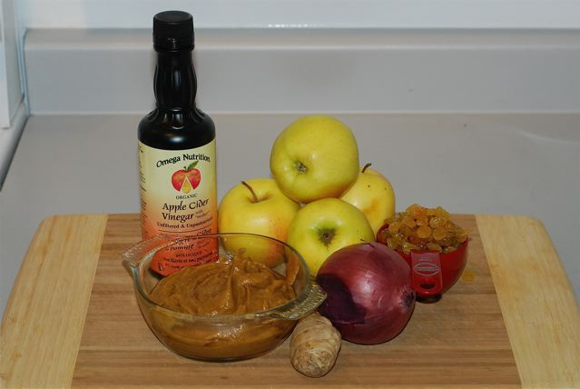 Ingredients for Apple Raisin Chutney