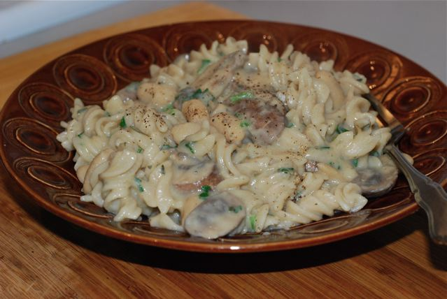 Creamy Mushroom and White Bean Pasta / Gluten-Free, Low-Fat, Vegan ready for eating