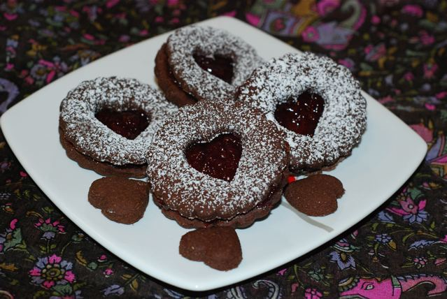 Chocolate Cherry Linzer Cookies / Gluten-Free, Oil-Free, Vegan