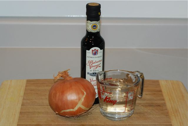 Ingredients for Caramelized Onions / Oil-Free, Salt-Free